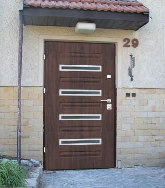 Bezpečnostní dveře v exteriéru, zdroj: htdvere.cz