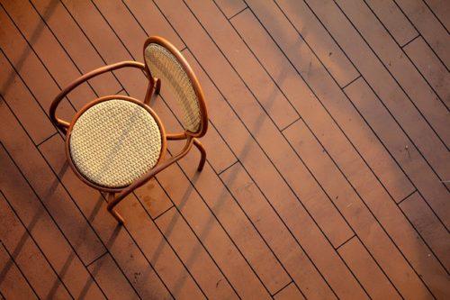 laky na podlahy