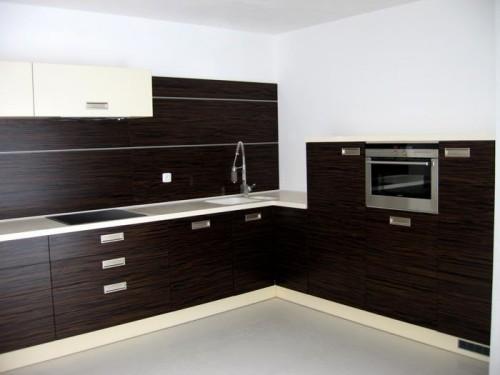 Kuchyně na míru optimálně využije prostor, zdroj: jninterier.cz