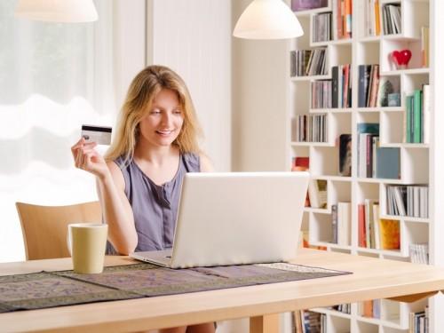 Pojištění lze vyřídit snadno online, zdroj: shutterstock.com