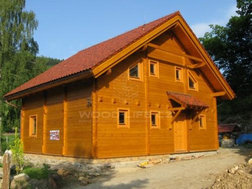 Srubový dům, zdroj: woodlife.cz
