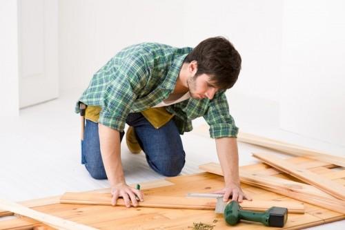 Zvládnete některé práce svépomocí? zdroj shutterstock.com